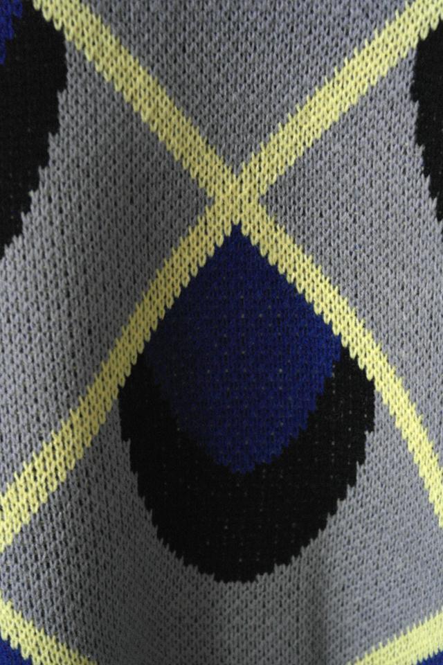 韩版孔雀花纹菱形格子毛衣