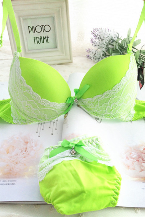 荧光绿,蕾丝内衣,内衣套装,聚拢内衣,性感内衣,荧光内衣,欧式文胸