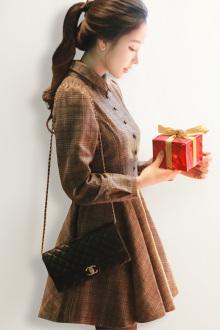 韩版收腰长袖复古格子连衣裙