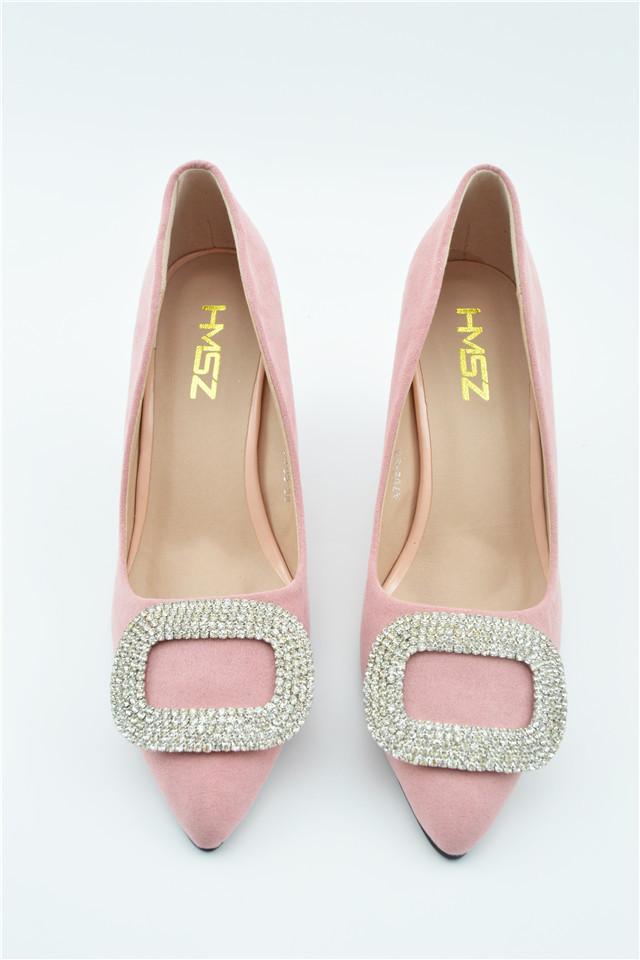买鞋与钻胯