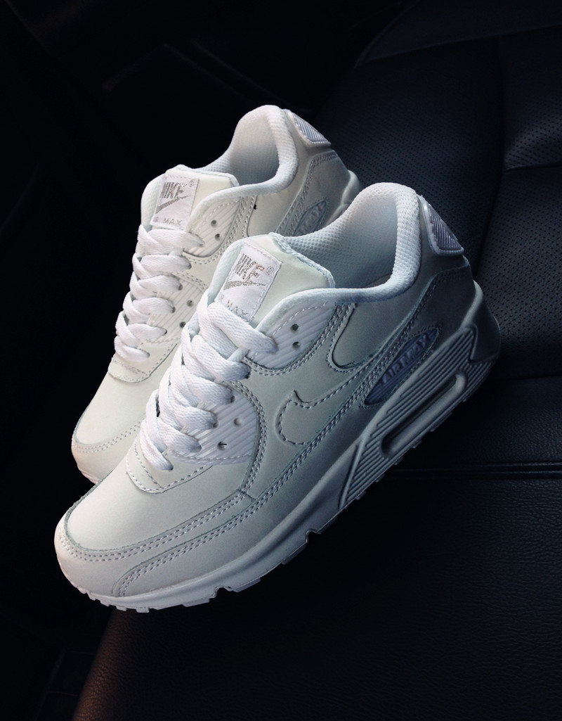 全白色真皮增高运动鞋