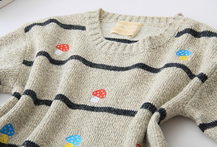 可爱蘑菇刺绣套头中长款毛衣
