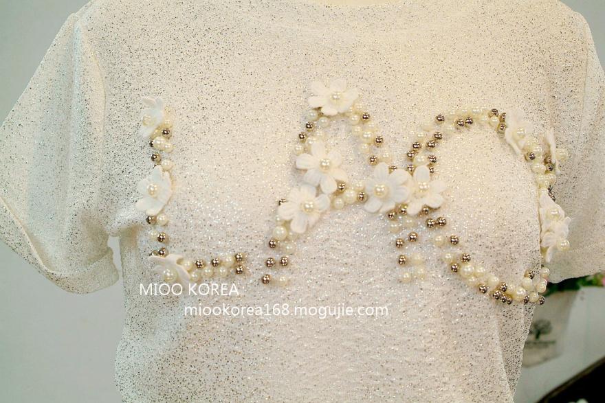 钉珠花朵金色立体面料短袖t恤
