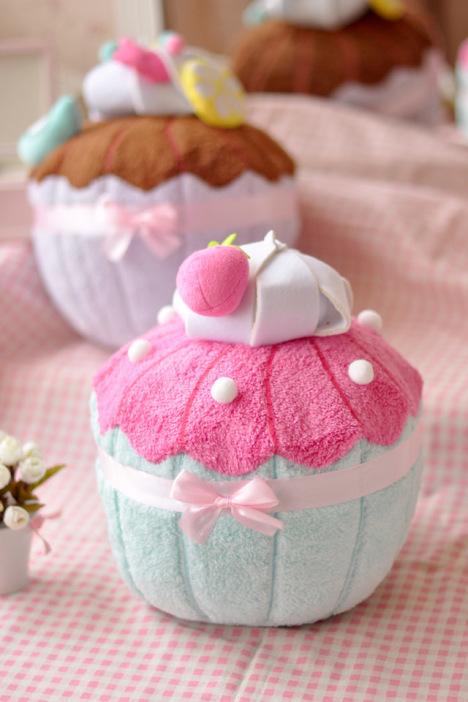 马卡龙冰淇淋甜点生日蛋糕抱枕