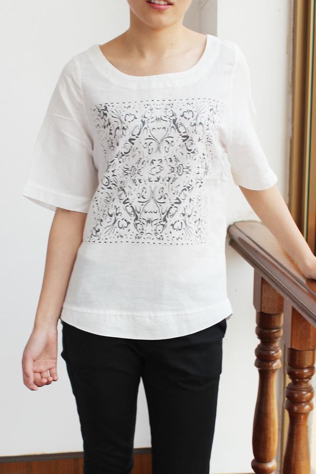 森女系清朝官服图印花t恤,休闲百搭,时尚复古风,采用清凉透气的棉麻面