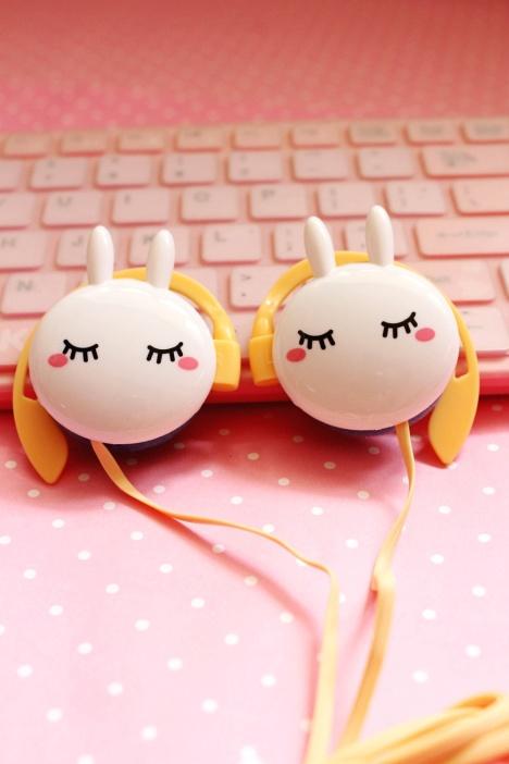 美哒萌品73可爱小兔子挂耳耳机-来自蘑菇街优店