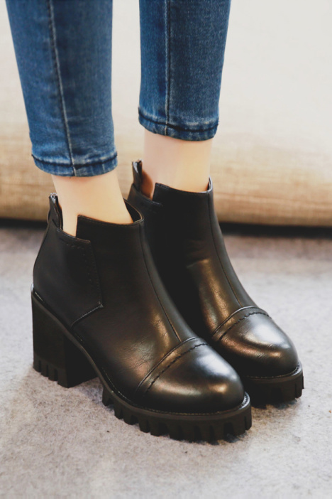 短靴,圆头鞋,防水台,高跟短靴,粗跟鞋,拉链,简约