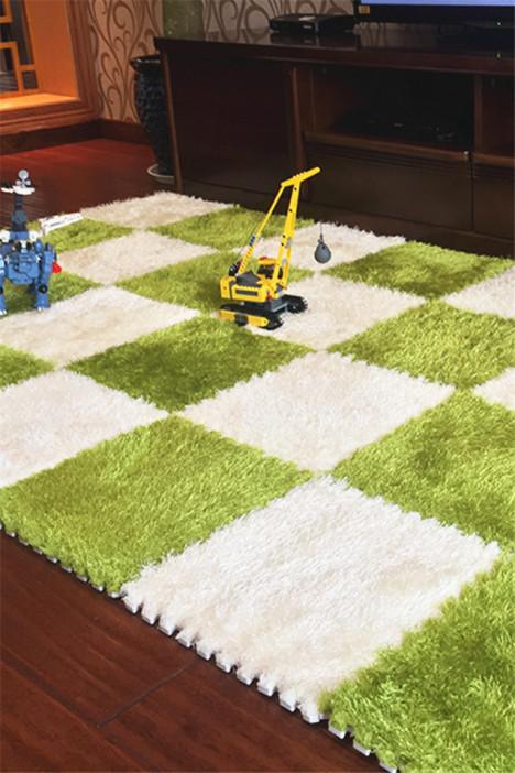 卧室满铺地毯
