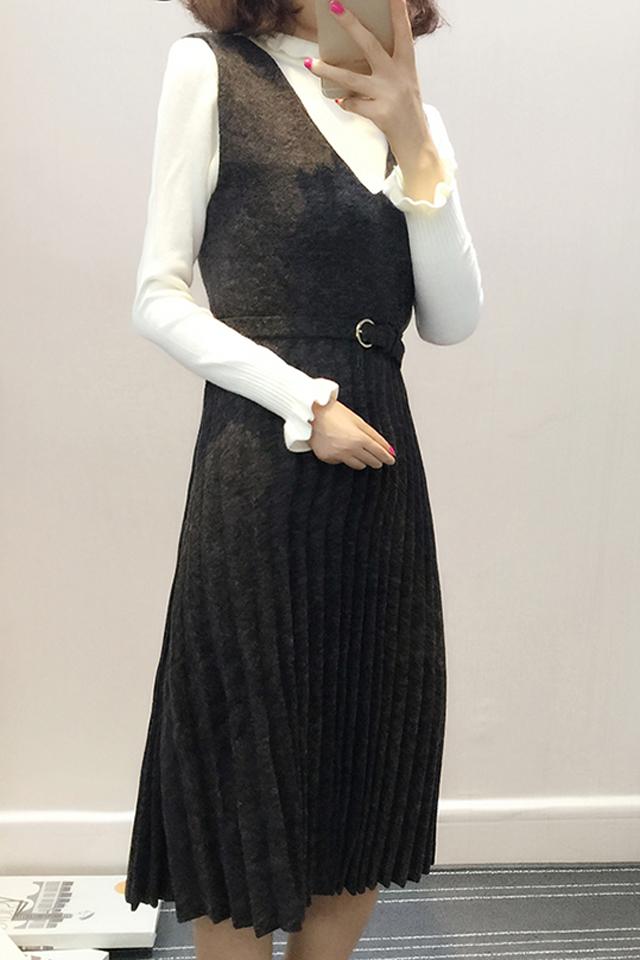新款打底针织衫十无袖v领连衣裙 配腰带