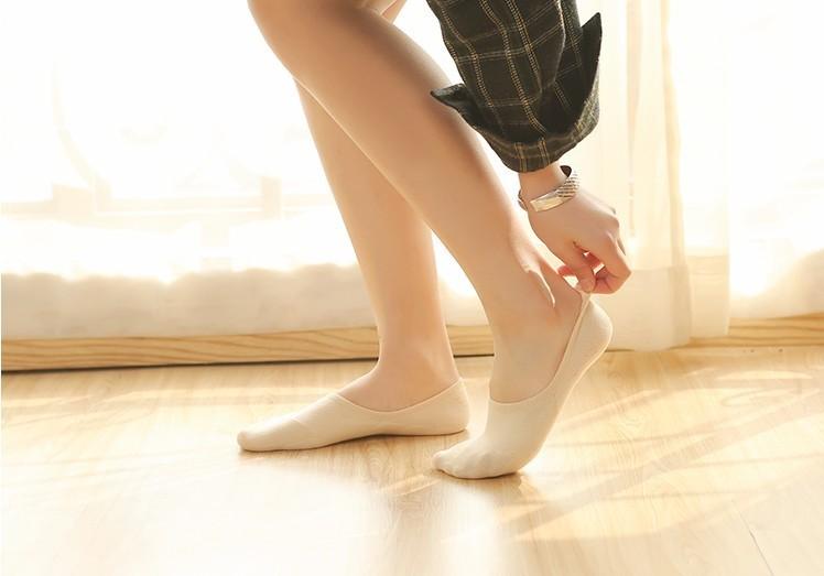 可爱袜子美女图