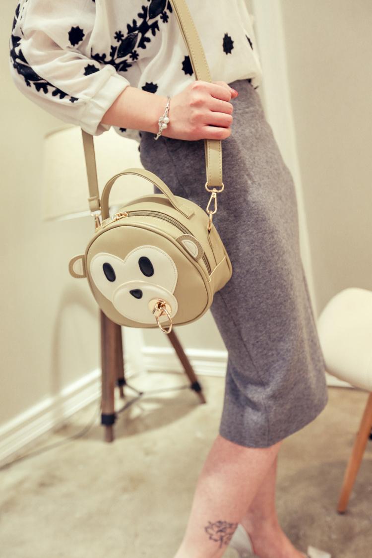 【呆萌金属环小猴子造型减龄单肩包】-包包-女包