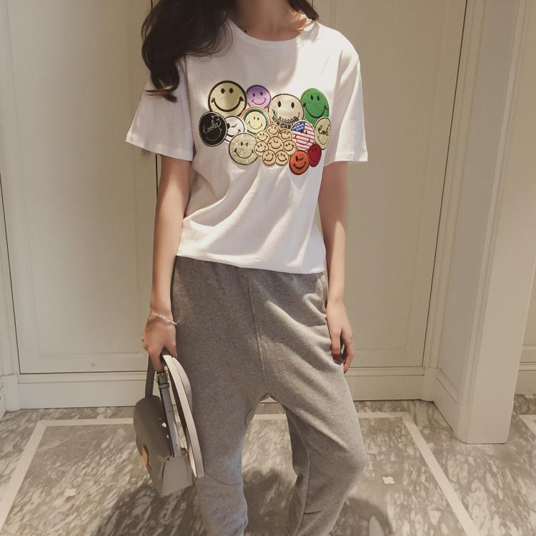 新款韩国女生萌趣青春可爱笑脸贴布短袖t恤