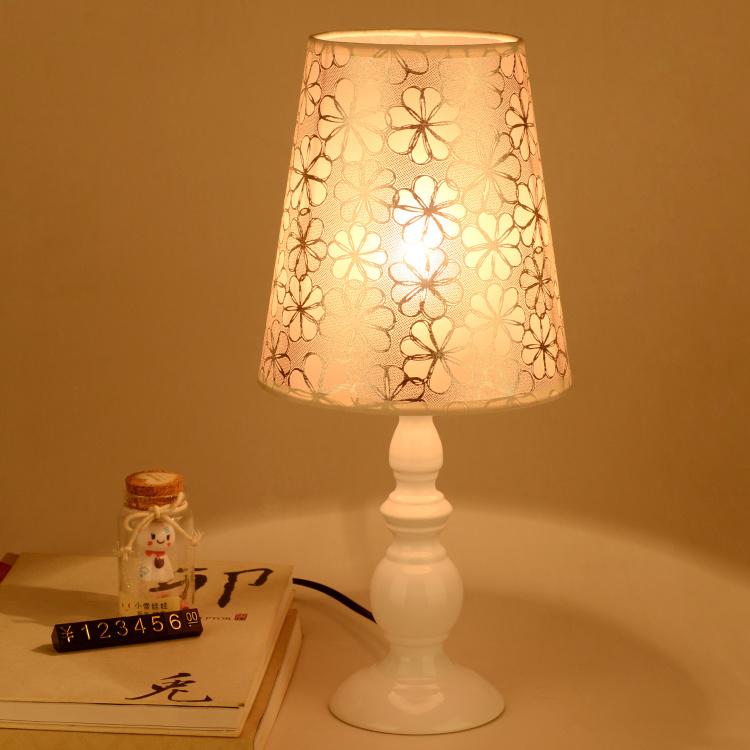 【欧式台灯卧室床头灯创意节能简约现代温馨婚房可